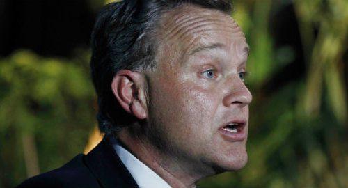 Un politico britannico si è dimesso per lo stipendio troppo basso