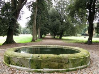sagra porcino - fontana parco villa altieri